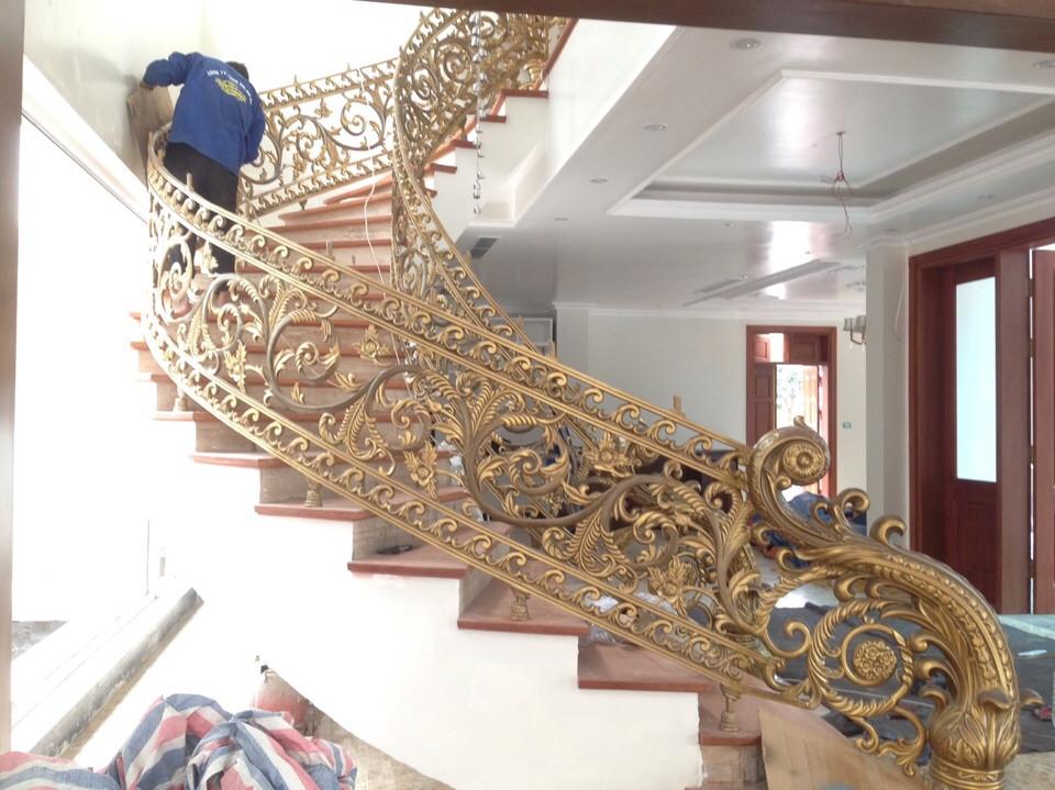 Thi công cầu thang nhôm đúc tại Hà Nội