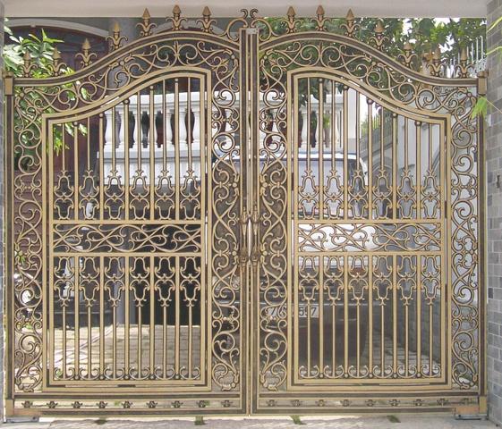 Thiết kế,Thi công lắp đặt cổng biệt thự,cổng nhôm đúc tại Đà Nẵng