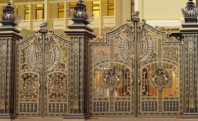 Mẫu cổng biệt thự làm bằng nhôm hợp kim,cổng nhôm đúc