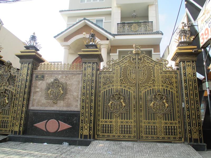 Thi công cổng nhôm đúc tại Bắc Kạn