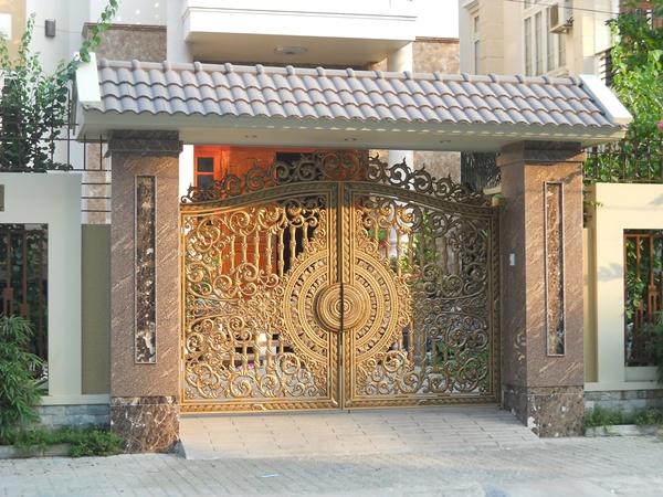 Mẫu cổng biệt thự đúc bằng nhôm đúc kích thước 3200x2830