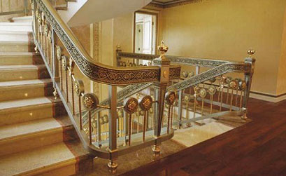 Cầu thang biệt thự đẹp- Mẫu cầu thang nhôm đúc HG5