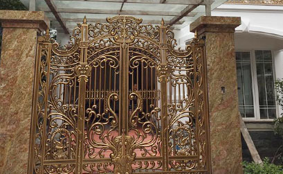 Thi công cổng nhôm khu Việt Hưng Long Biên nhà A Hải