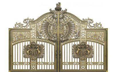 Thi công lắp đặt cổng biệt thự, cổng nhôm đúc tại quận 7 - TPHCM